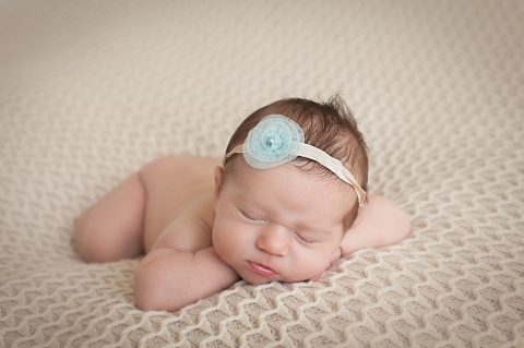 newborn photos on tummy